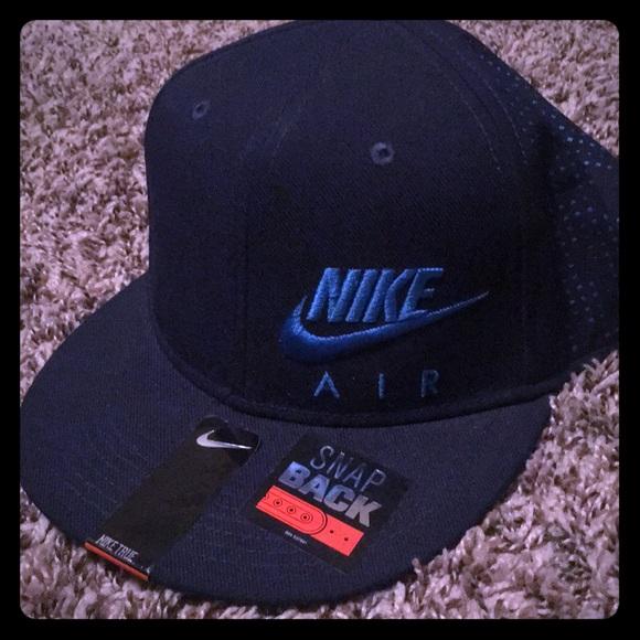7238fd4c Nike SnapBack Hat
